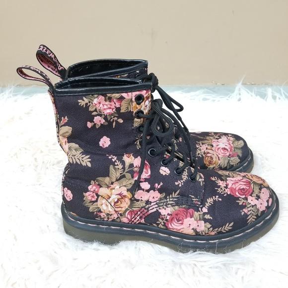 Dr. Martens Print 1460 8 Eye Boot BLACK VICTORIAN FLOWERS
